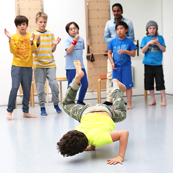 breakdance3 600x600.jpg