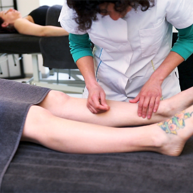 Acupunture in the legs S