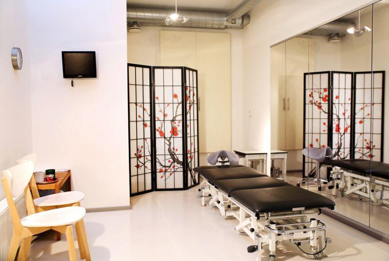 Therapy room at Studio Anna Mora in Amsterdam